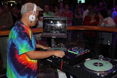 dj music cruise