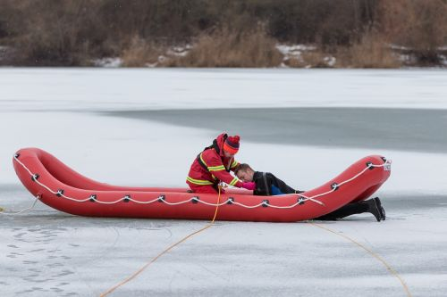 dlrg ice rescue water rescue