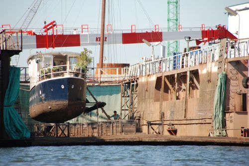 dock scheepsdok ship