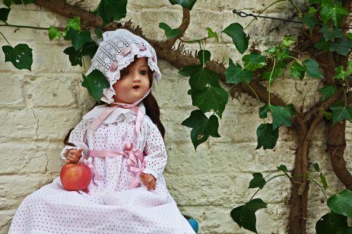 doll porcelain antique