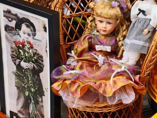 doll romance love