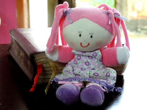 doll bible table