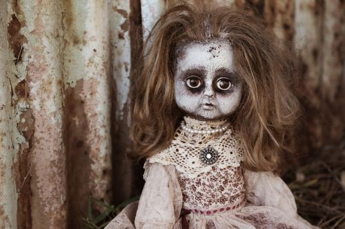 doll creepy spooky