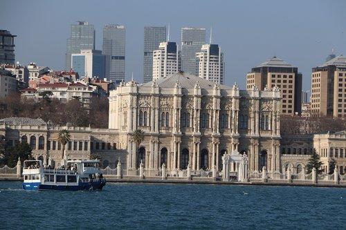 dolmabahçe  palace  travel