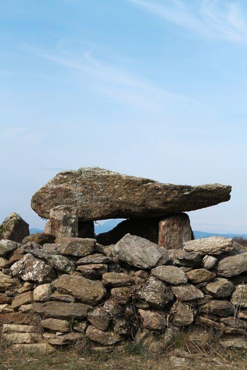 dolmen pierre wall