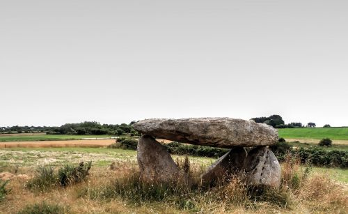 dolmen stones dolmens