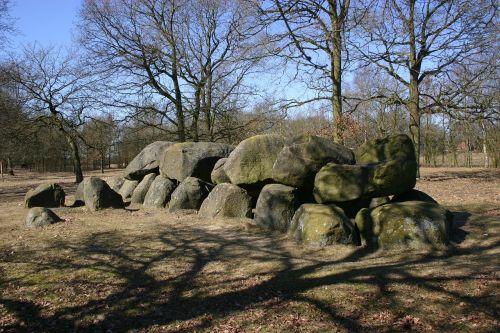 dolmen prehistory
