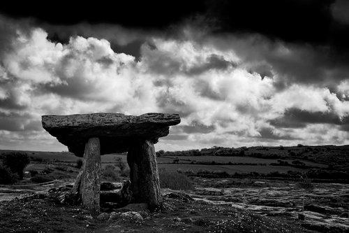 dolmen  ireland  prehistory