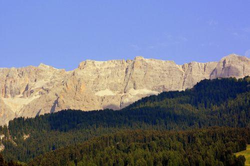 dolomites chain mountains