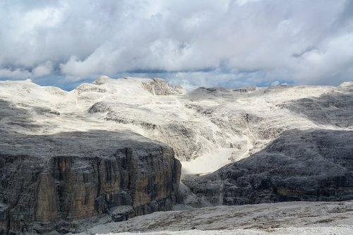 dolomites  italy  alpine