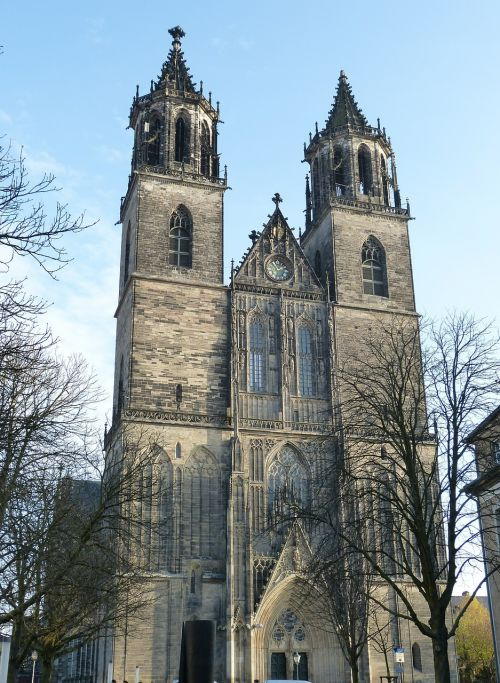 dom church steeple