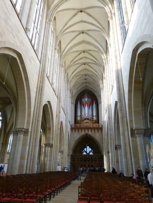 dom gothic church