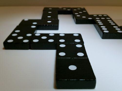 domino stones play