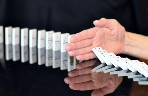 domino hand stop