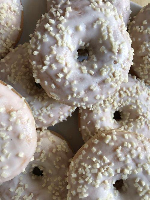 donut  white  chocolate
