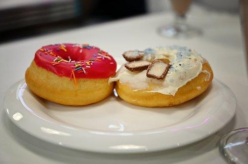 donuts  snacks  café