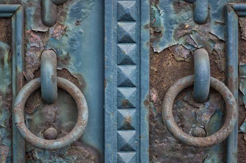 door rust copper