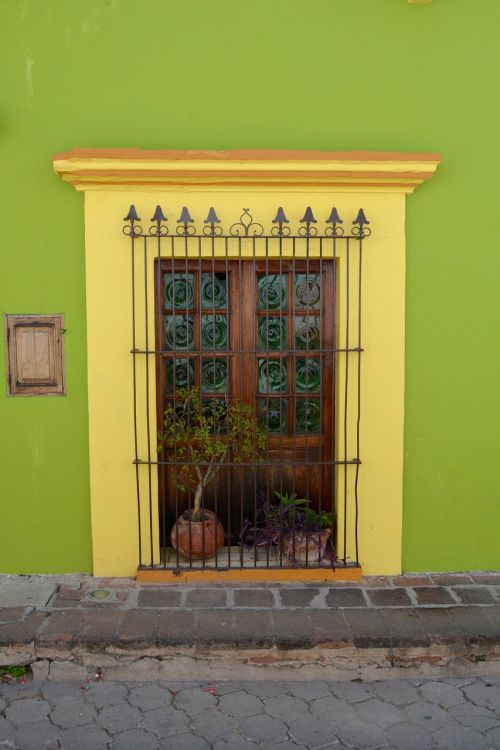 door colonial poplars