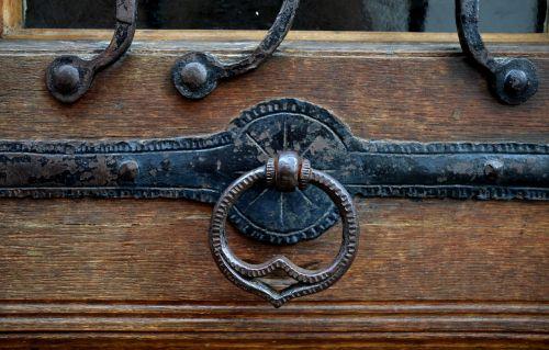 doorknocker door door handle