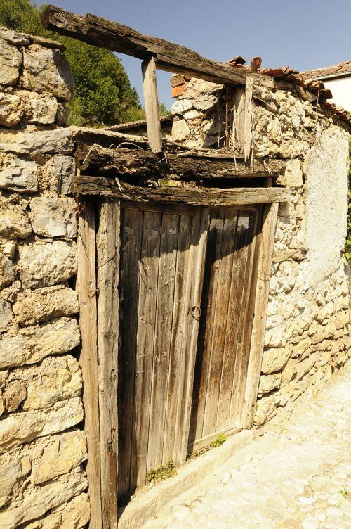 door expired old
