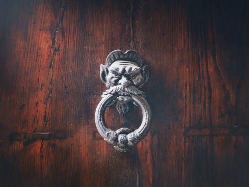 door thumper handle