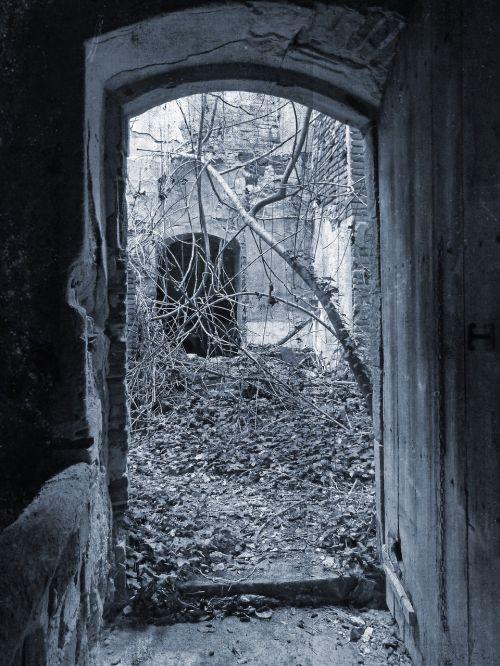 door ruin mystery