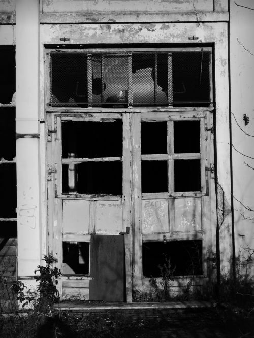 door glass broken