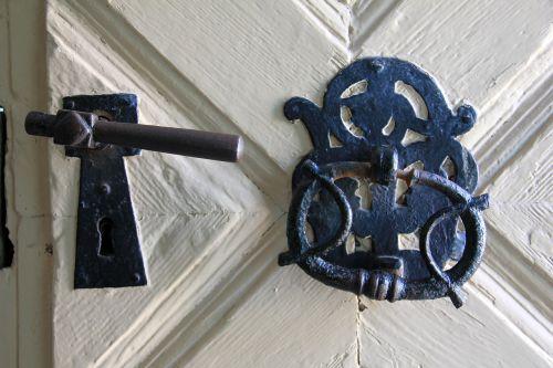 door castle fitting