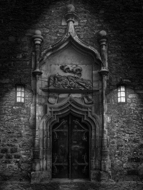 door goal black and white