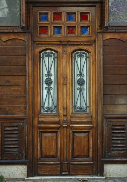 door wood building