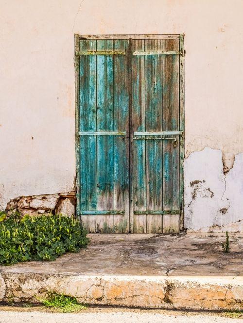 durys,senas,amžius,ištemptas,rusvas,skilimas,įėjimas,medinis,architektūra,tradicinis,kaimiškas,gatvė,kaimas,sotira,Kipras