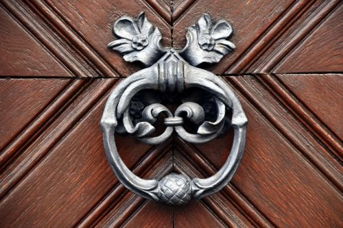 door doorknocker input