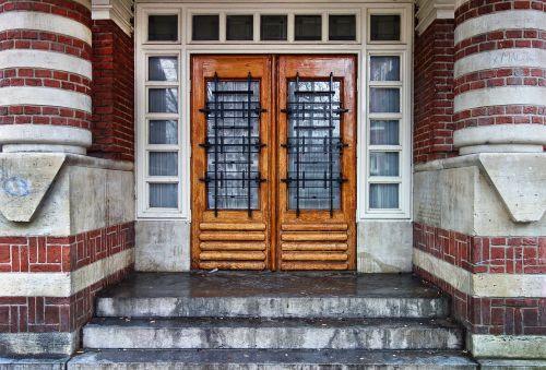 door wooden door entrance