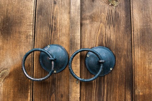 door  ring  round