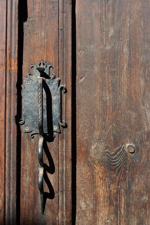 door  handle  metal