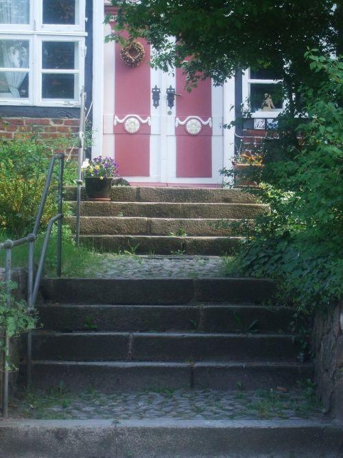door stairs gradually