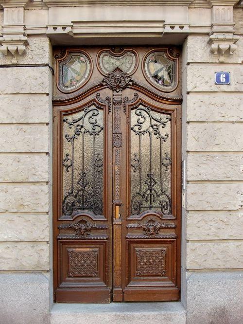 door,input,house entrance,old,old door,wood,input range,wooden door,front door,portal