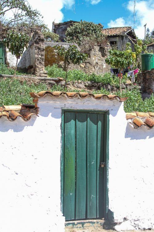 door house architecture