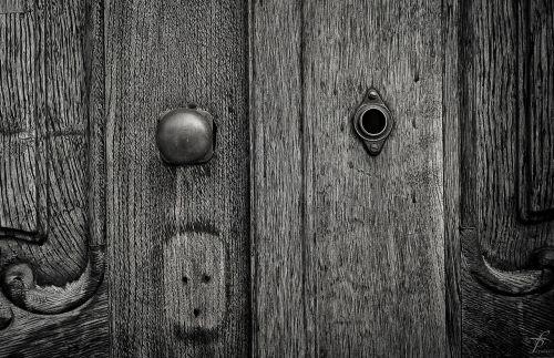 door keyhole design