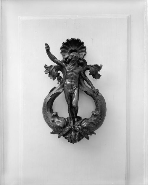 door knocker metal old