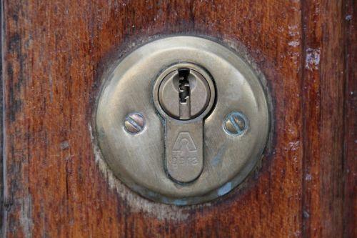 door lock castle key hole
