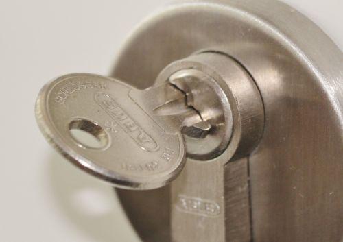 door lock castle key