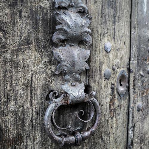 doorknocker door handle handle