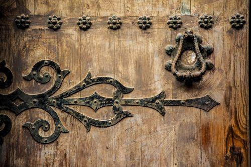 doors knobs wood