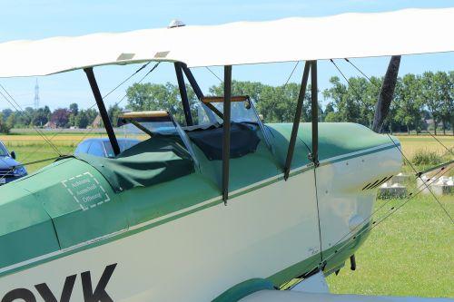 double decker fly aircraft