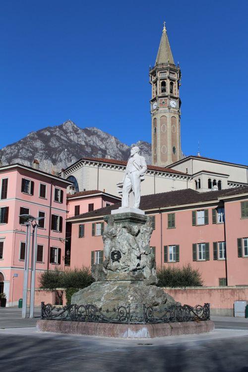 downtown lick statue campanile