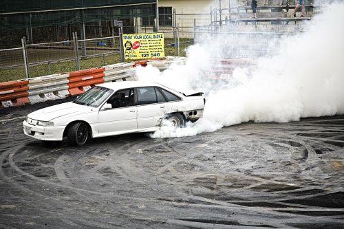 drag smoke burn out