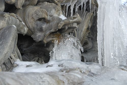 dragon statue ice