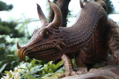 dragon statue garden