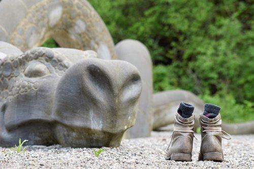 dragon  shoes  socks